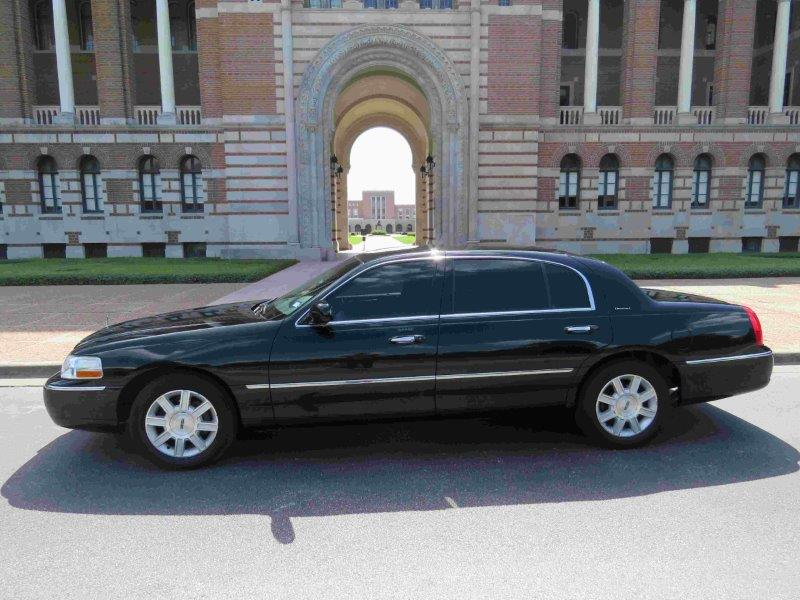Houston Town Car Transportation Houston 24 Hour Airport Limo