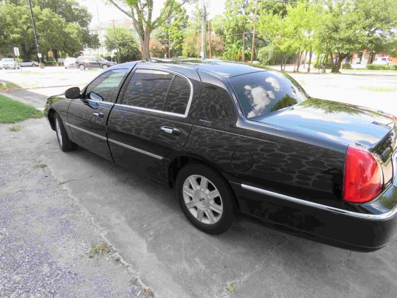 Lincoln Town Car Luxury Sedan Best: Luxury Lincoln Town Car Sedan