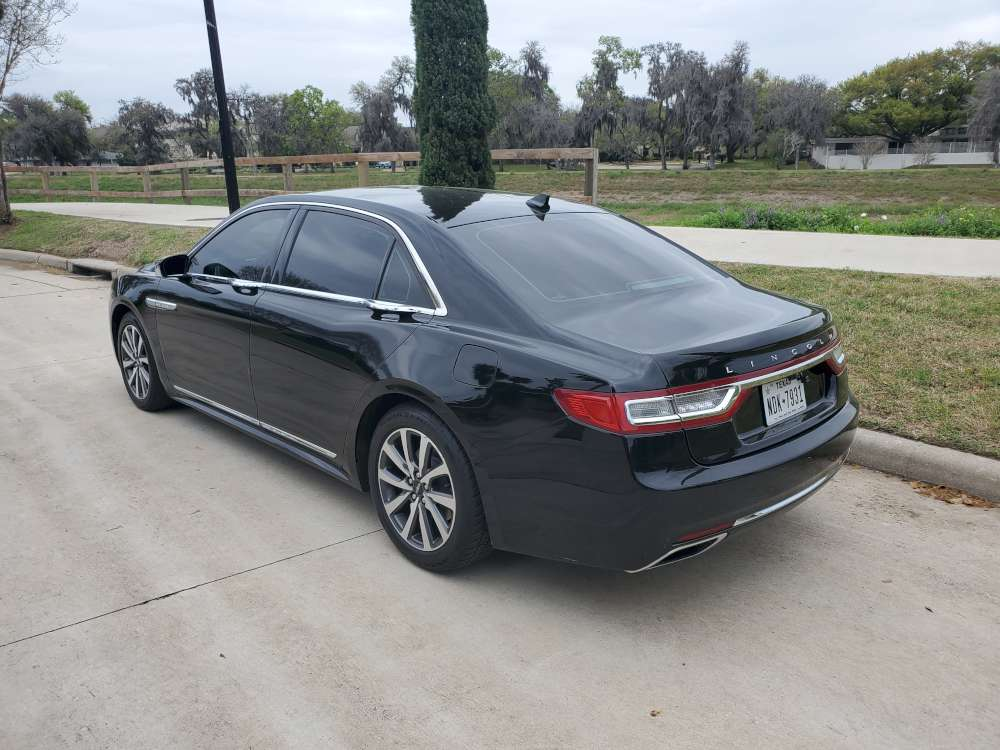 2018-Lincoln-Continental-rear